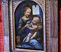 Leonardo da Vinci, Madonna and Child, Hermitage Museum, St. Petersburg (36376126943).jpg