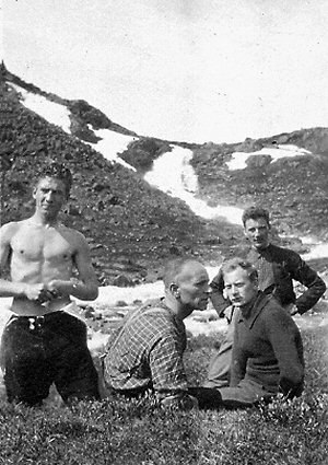 Haakon Lie - Left to right: Haakon Lie, Martin Tranmæl, Einar Gerhardsen and Ola Stigum on an excursion in the Norwegian countryside, early 1920s