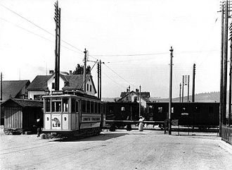 Limmattal tramway - Car 9 at one of the level crossings prior to 1924