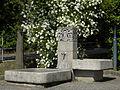 Linz-StMagdalena - Brunnen Ortsplatz - von Max Stockenhuber - I.jpg