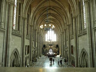 http://upload.wikimedia.org/wikipedia/commons/thumb/2/28/Londres_501..jpg/320px-Londres_501..jpg