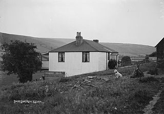 Lower bungalow Bleddfa