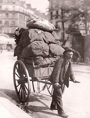 Rag-and-bone man - Rag-and-bone man in Paris 1899 (Photo Eugène Atget)
