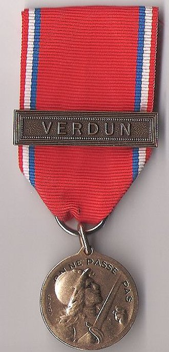 They shall not pass - Image: Médaille de Verdun du colonel Brébant (recto)