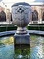 Maastricht, Sint-Servaasbasiliek, pandhof, oude Sint-Servaasfontein.jpg