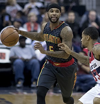 Malcolm Delaney - Delaney with the Hawks in 2016