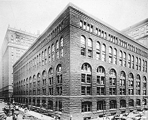 Marshall Field's - Marshall Field's Wholesale Store at Franklin Street, between Quincy and Adams Streets, designed by Henry Hobson Richardson, built 1887, razed c. 1930, view taken around 1890