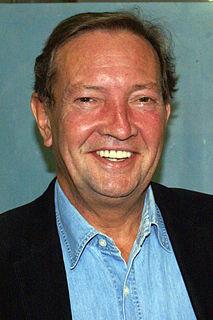 Martin Walker (reporter) British journalist