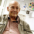 Marvin Minsky at OLPCb.jpg