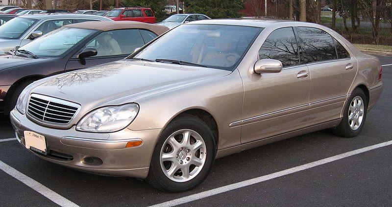 Off White Mercedes Benz