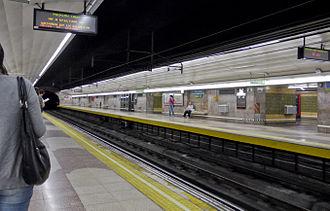 Torre Arias (Madrid Metro) - Image: Metro Madrid Torre Arias