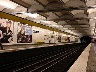Paris Métro Line 5 - Image: Metro Paris Ligne 5 station Breguet Sabin 01