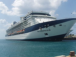 Die Celebrity Millennium am Kai in Nassau (Bahamas)