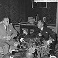 Minister Luns , Averill Hariman (Links) op zijn departement ontvangen, Bestanddeelnr 918-1382.jpg