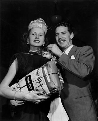 Armour and Company - Miss Oak Ridge Tennessee 1947 wins an Armour smoked ham