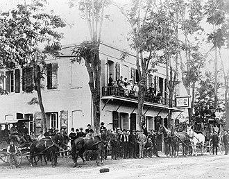 Murphys Hotel - Image: Mitchler Hotel Murphys CA 1860s