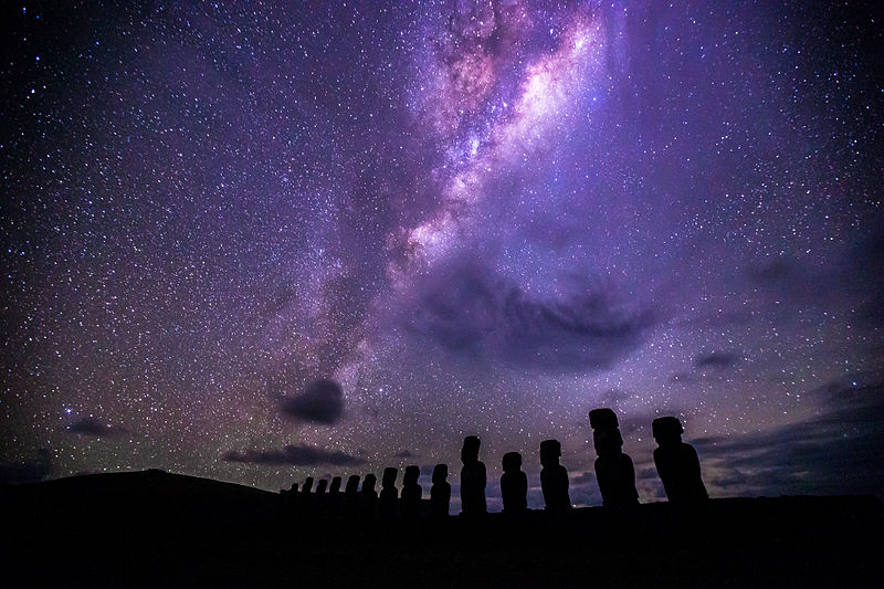 File:Moai Under the Milky Way, Ahu Tongariki, Easter Island.jpg
