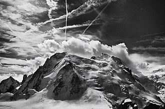 Mont Blanc du Tacul - The northern side of Mont Blanc du Tacul seen from the Aiguille du Midi