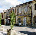 Montesquiou Maisons du village.JPG