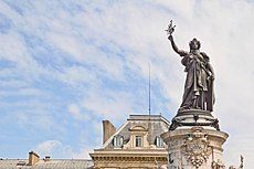 Monument à la République, Paris, mai 2015 002.jpg