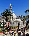 Mumbai 03-2016 13 Haji Ali Dargah.jpg