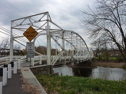 Neshanic lenticular truss bridge 3