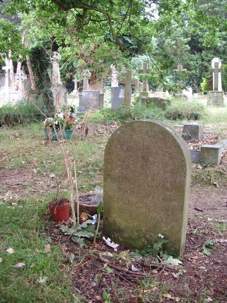 Файл: Ник Дрейк Grave.jpg