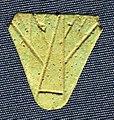 Nuovo regno-epoca tarda, contrappeso di collana con decoro a fior di loto, in faience, 1550-332 ac ca.jpg