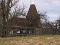 Oast House in Runhams Farm - geograph.org.uk - 1189123.jpg