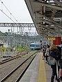 Odakyu 60000 series MSE leaving Odawara Station.jpg