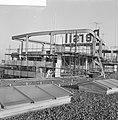 Op het dak van het Groothandelsgebouw te Rotterdam wordt een bioscoop gebouwd, Bestanddeelnr 911-9413.jpg