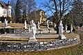 Pörtschach Hauptstrasse 133 Villa Seehort 9 Musen-Statuen 06032011 3648.jpg