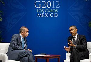 2012 G20 Los Cabos summit - Turkish Prime Minister Recep Tayyip Erdogan talks with U.S. President Barack Obama on 19 June.