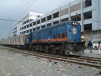 PNR 900 Class - Image: PNR 917 at Alabang with Set 1