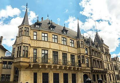 How to get to Palais Grand Ducal with public transit - About the place