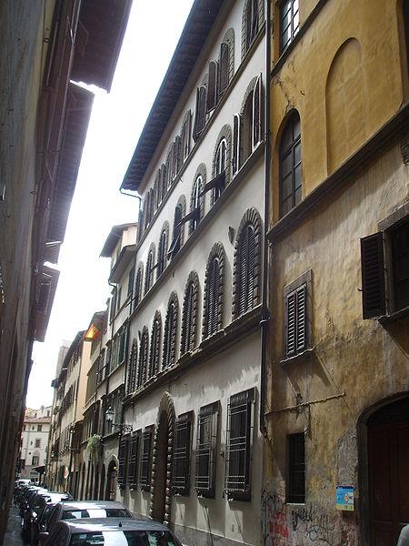 http://upload.wikimedia.org/wikipedia/commons/thumb/2/28/Palazzo_Mori_Ubaldini_degli_Alberti_01.JPG/450px-Palazzo_Mori_Ubaldini_degli_Alberti_01.JPG