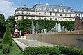 Paris Fontaines de l'Hôtel-de-Ville (35553293723).jpg
