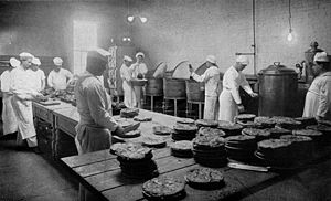 PASTRY CLASS, COMMISSARY SCHOOL, NAVAL TRAININ...
