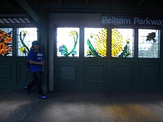 Pelham Parkway (IRT White Plains Road Line) - Southbound platform