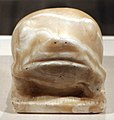 Periodo predinastico, tardo periodo naqada III o I dinastia, statua della dea-rana heqat, 2950 ac ca.jpg