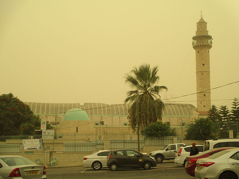 המסגד הגדול ברמלה ביום האובך הגדול
