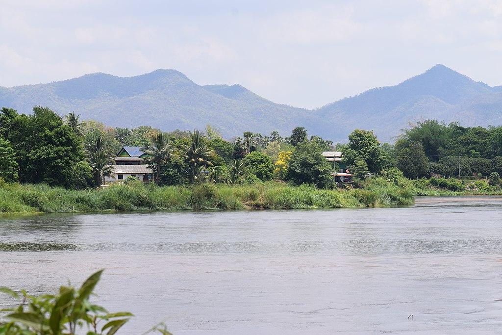 Ping River in Tak 3