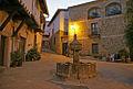 Plaza Fuente de los chorros en Cuacos de Yuste (Cáceres).jpg