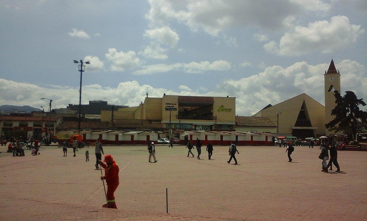 ANACLETO MORALES 1200px-Plaza_Principal_de_Soacha_-_Soacha%C2%B4s_Central_Square