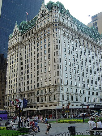 Grand Army Plaza (Manhattan) - The Plaza Hotel, seen from corner of 5th Ave and 59th St