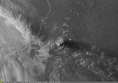 Satellite image of the plume during the 2015 eruption. Plume from the April 22, 2015 eruption of Calbuco.jpg