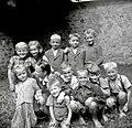 Podgorski otroci (prvi razred) z učiteljico Novak Marijo v Drči 1952.jpg