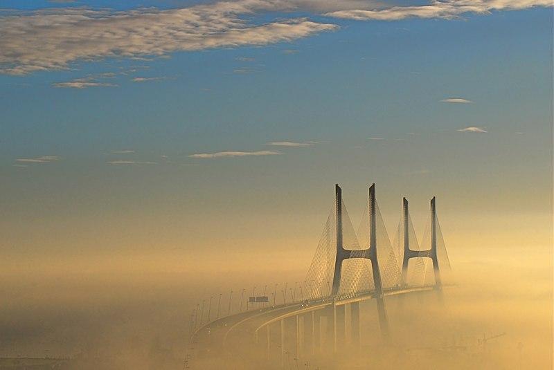 File:Ponte Vasco da Gama 25.jpg