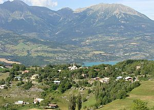 Pontis, Alpes-de-Haute-Provence - The village of Pontis, seen from the col road