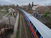 Praha-Strašnice zastávka, City Elefant, z lávky.jpg